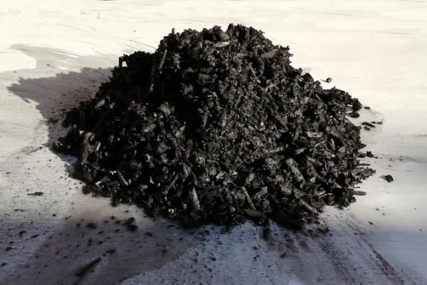 biochar-pile-v02-700F6031518-5BD5-BC15-E0F2-AEB08C857DB8.png